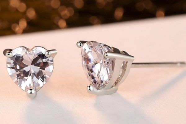 Cercei din Argint cu Pietre Zirconiu in Forma de Inima - Stil Pandora