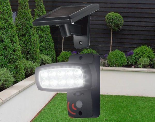 Proiector LED pentru exterior cu panou solar si senzor de miscare